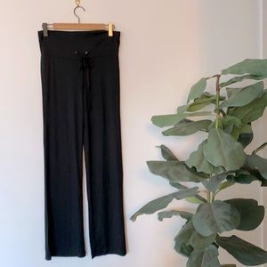 NWOT Black Wide Leg Sweatpants Size M